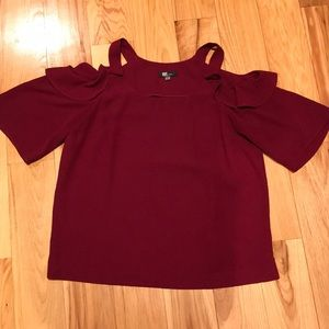 Kut from the Kloth red cold shoulder blouse SzM